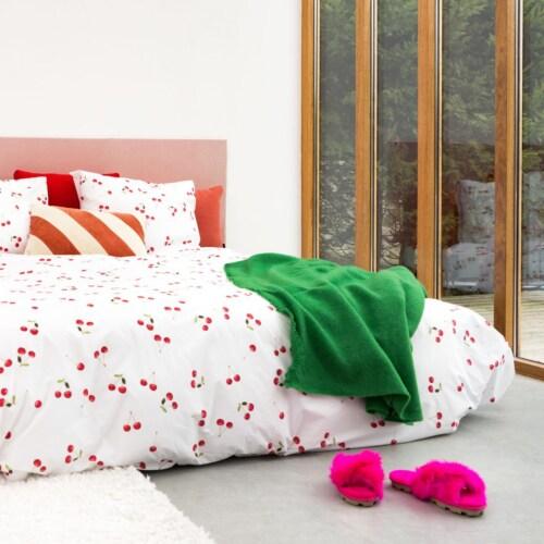 Snurk Cherries dekbedovertrek -200x200/220 cm